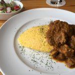 Cafe Haluでオムカレー、トロトロの卵かけゴハンみたいなオムレツにかかってるカレーがまた美味い!