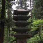 国宝、白木の五重塔。