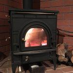 薪ストーブの火着けと火守りを習得しました