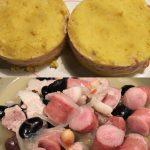 缶詰博士の南米料理祭! ペルー料理のカウサ(インカの目覚めのマッシュポテトで唐辛子入りツナのフィリングをサンド。セルクル持参!←さすが) ブラジル料理のフェジョアーダ(肉と豆の煮込み)
