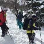 腰まで雪付いてます!見て!!のポーズw 4月なのに〜(ニヤニヤ