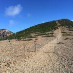 オーレン小屋から40分くらいでこの景色! 右手、根石岳の裏側に東天狗岳が隠れてます
