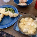 南富良野じゃがバターにかまんべいるを添えて。